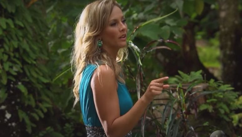 Clare Crawley gestures at Juan Pablo during the final rose ceremony