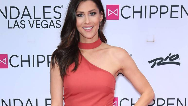 Becca Kufrin on the red carpet.