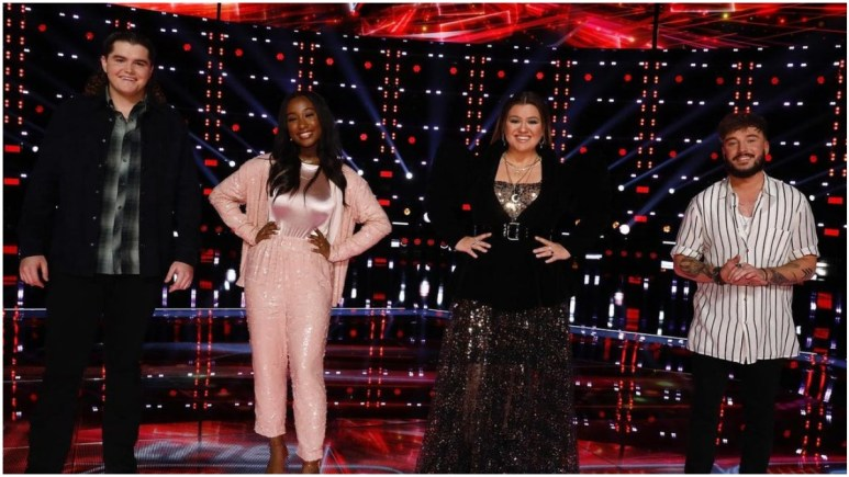 Kelly Clarkson and her team on The Voice