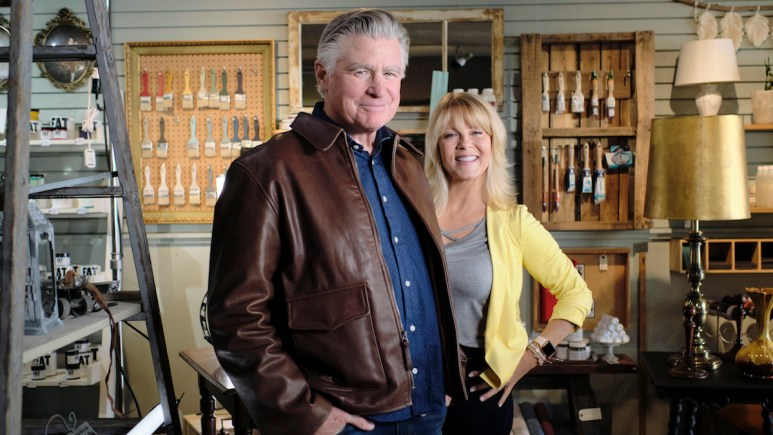 Treat Williams (Mick O'Brien) and Barbara Niven (Meg O'Brien) joined ET's Deidre Behar on August 10 at 12/1c for a live online interview.