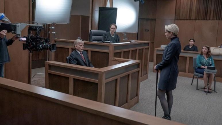 Billy Bob Thornton, Beth Grant, Jena Malone in a court room