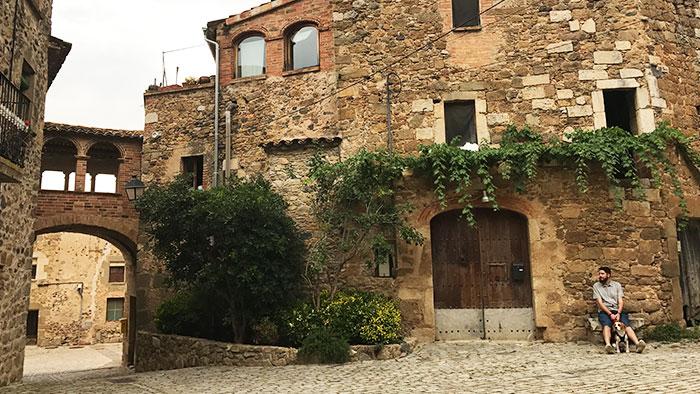 Pueblos-con-encanto-Girona-pubol