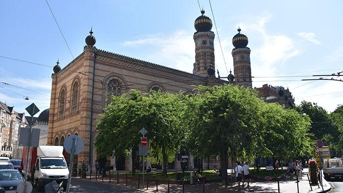 Que-ver-en-Budapest-sinagoga