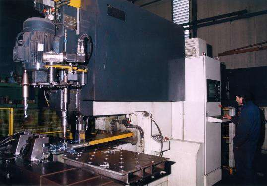 The automatic line for cutting and drilling