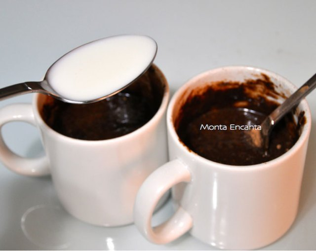 bolo-de-chocolate-de-caneca11