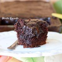 Bolo de Chocolate  com calda quebradinha