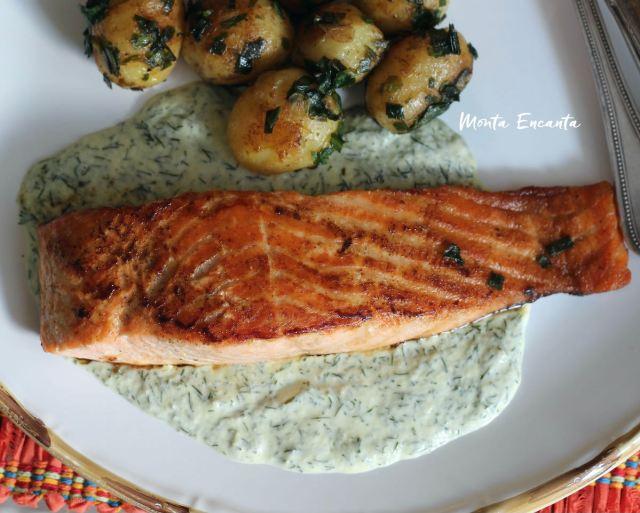 salmão ao molho dill