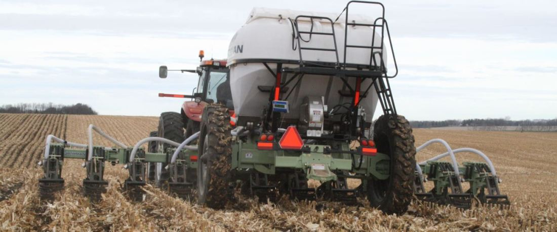 12-Row 6-Ton Montag on an OrthmanXD Strip-Till bar