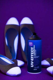 1703_DIY_UV-SPRAY-MONTANA-SHOES-9