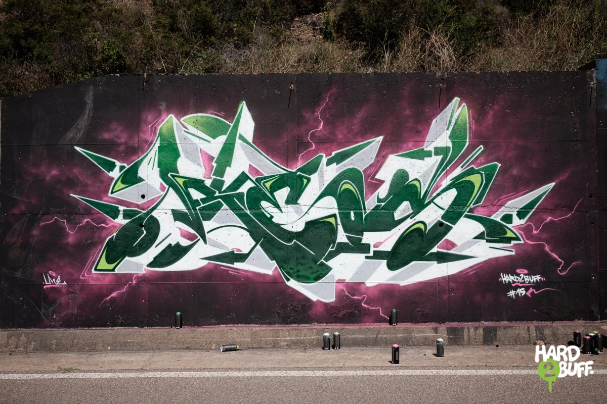 Each episode is based on the chromatic contrast of several colors documenting contemporary graffiti culture in italy hard2buff 15 featuring graffiti