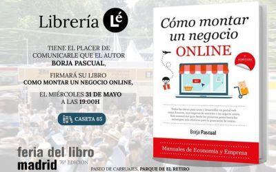 Firma de libros de Borja Pascual en la feria del libro de Madrid