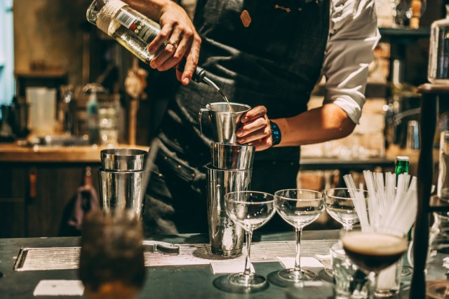 COCKTAIL MAKING CLASSES LONDON