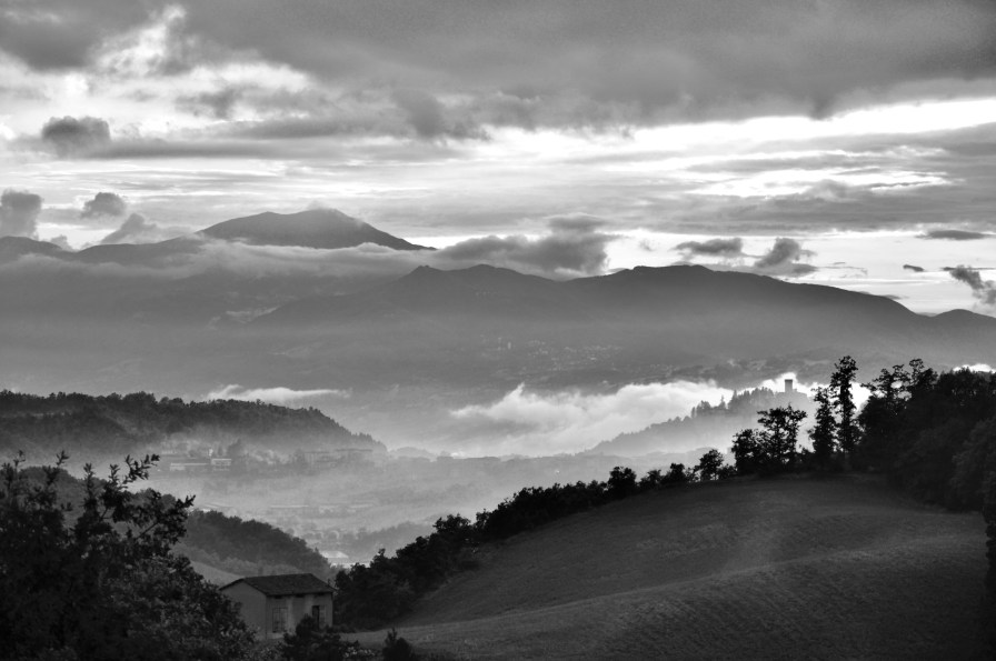 Nebbie da Montefenaro - di Claudio Leoni