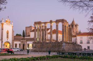 Templo romano que visitará no Peddy Paper