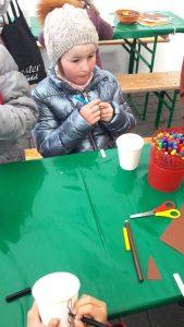 Montessori Grundschule Königs Wusterhausen_Wir schmücken den Osterbrunnen in KW_2019_2