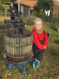 montessori-kinderhaus-hangelsberg_apfelprojekt-2016_die-apfelpresse