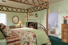 Willow Wood Cottage at the Montford Inn, Norman Oklahoma hotel and bed and breakfast