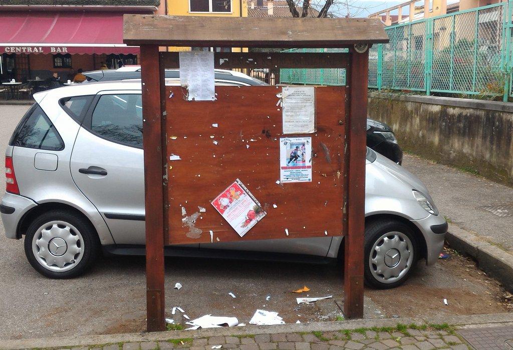 vandali_piazza_buccari_005