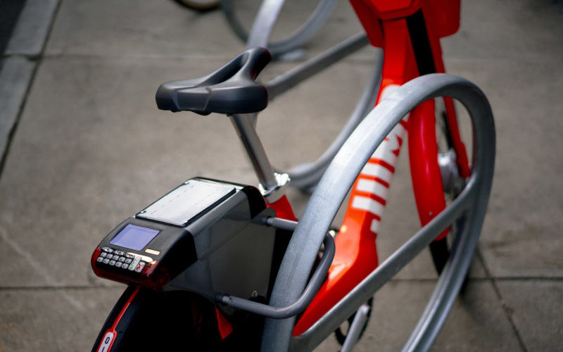 Electric Bikes Will Compete with Bixi this Summer in Montreal