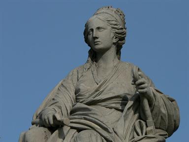 Detalle de la diosa Cibeles, desde Monumentamadrid