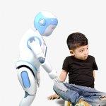 Der iPal-Bot für Jungs ist blau. (Foto: AvatarMind)