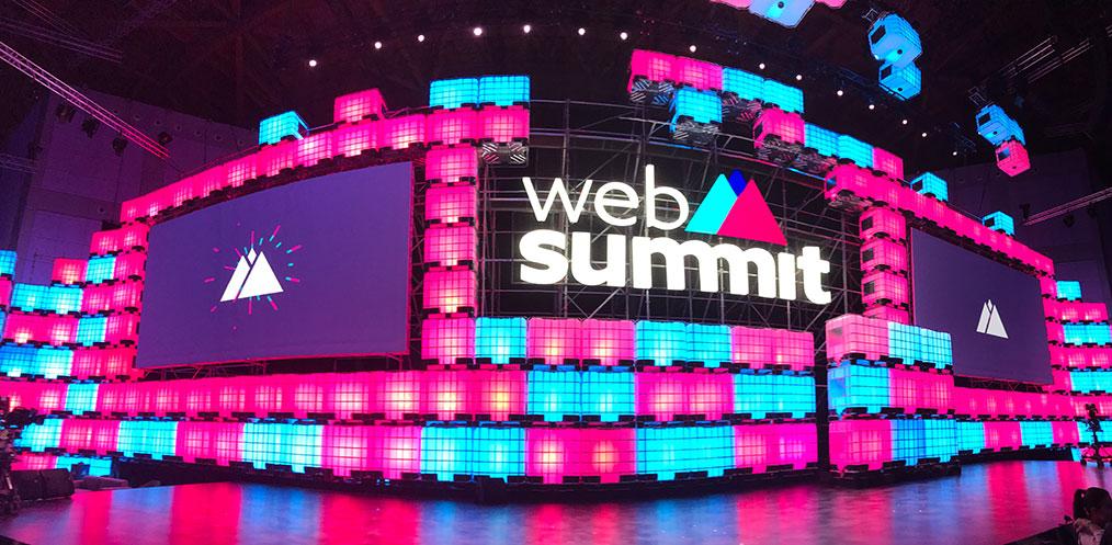 Die Bühne des WebSummit 2017 (Foto: Thorsten Claus / moobilux.com)