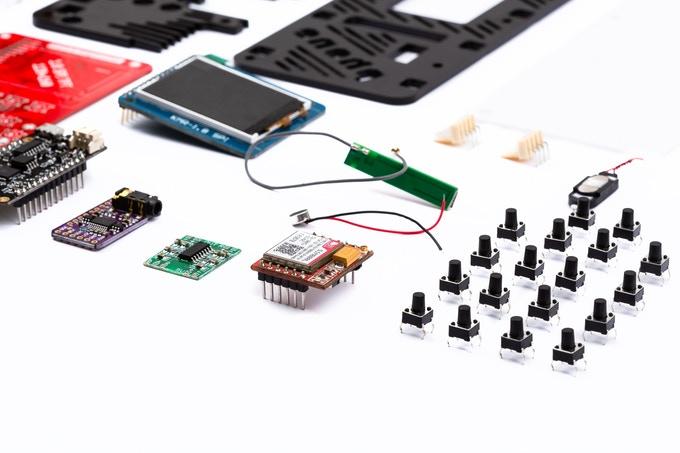 Die einzelnen Bauteile des MakerPhones. (Bild: MakerPhone)
