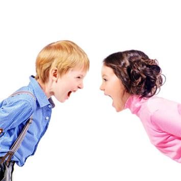 omgaan met ruziende kinderen: de strijd om de macht