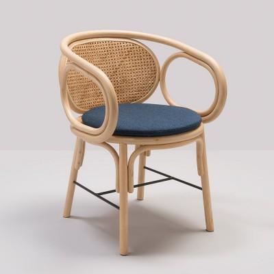 fauteuil de table contour avec coussin bleu fonce