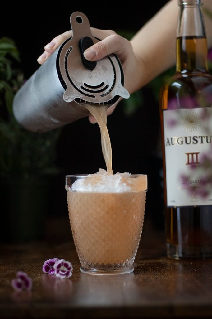 pouring-orchard-mai-tai-cocktail-5556607