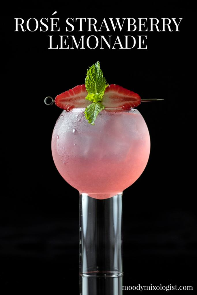 rose-wine-strawberry-lemonade-cocktail-recipe-3598620