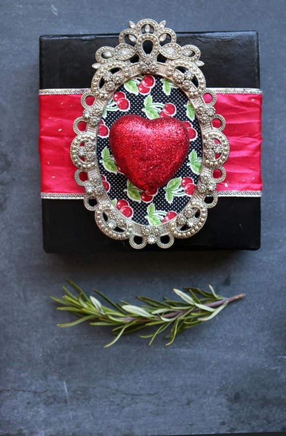 This Aphrodite love spell gift box was made entirely of scraps from around my house. Come check it out and get inspired to make one of your own using what you alreaduy have!