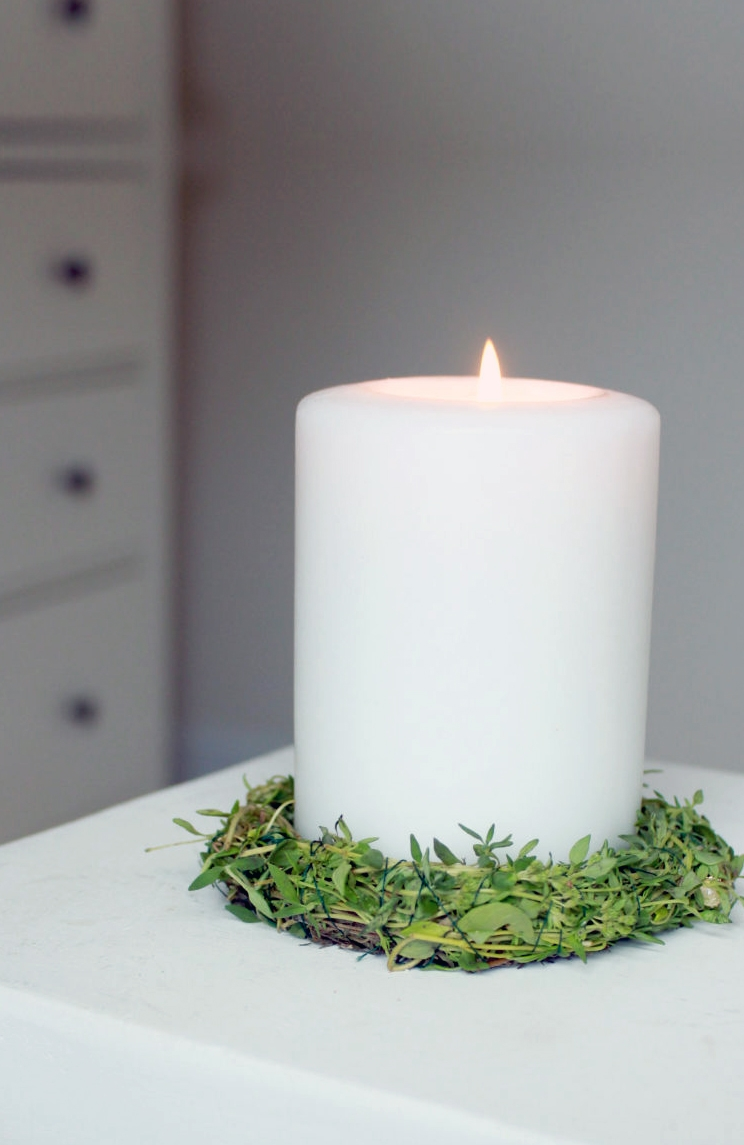 How to use white candles in witchcraft, ritual, wicca, spells and magic.