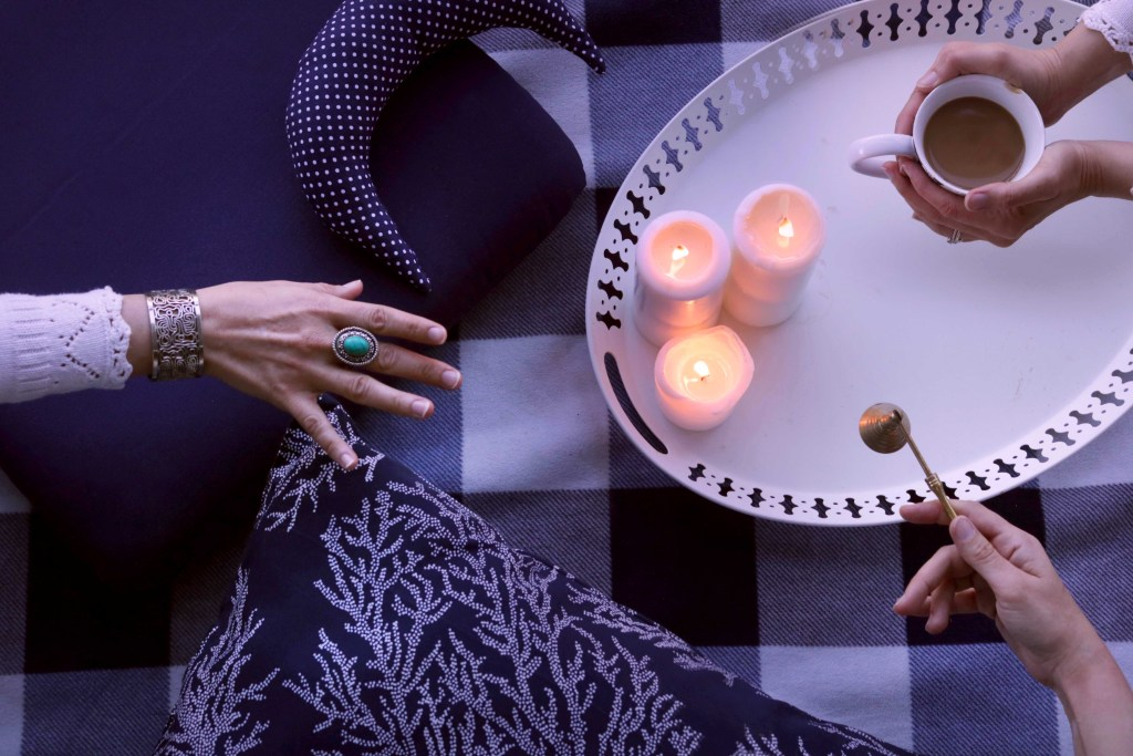 Lunar Indigo is an online community dedicated to connecting beginners with experienced witches to learn, grow and share the Craft.