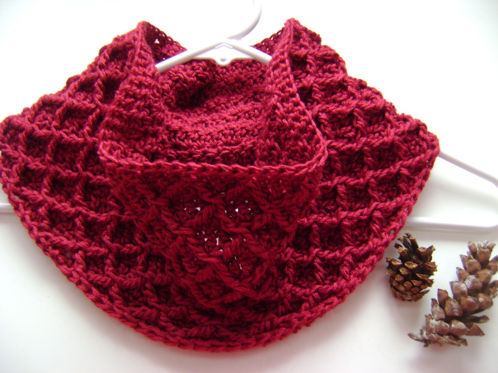 free crochet cowl pattern diamonds cables winter scarf