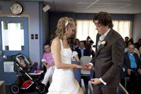 knuffel trouwen bruidskinderen huwelijk trouwringen knuffelbeest