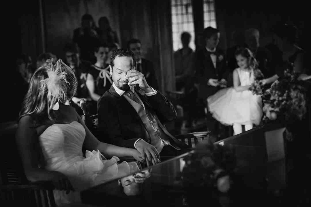 zwart-witfoto huwelijksceremonie