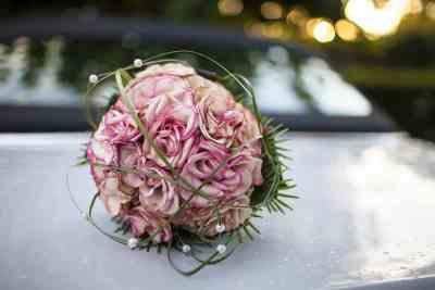 bruidsboeket trouwdag bruiloft trouwfoto trouwen bruidsfotografie
