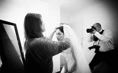 Waarom niet besparen op de fotograaf voor de trouwreportage?
