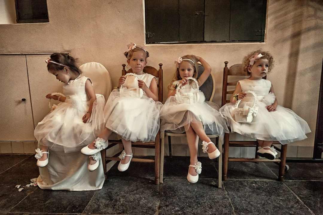 trouwfoto bruidskinderen meisjes