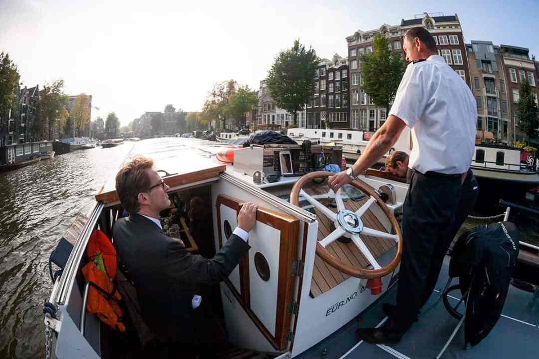 trouwreportage rondvaart Amsterdam