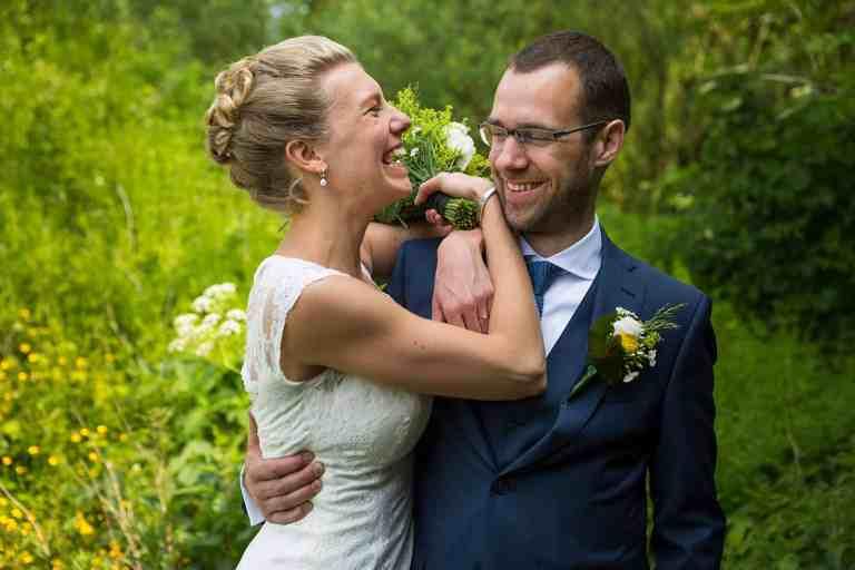 spontane ongedwongen bruidsfoto's