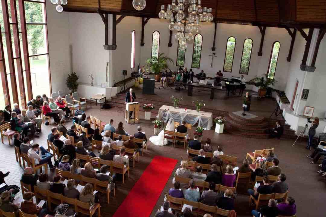 ceremonie kerk trouwdag