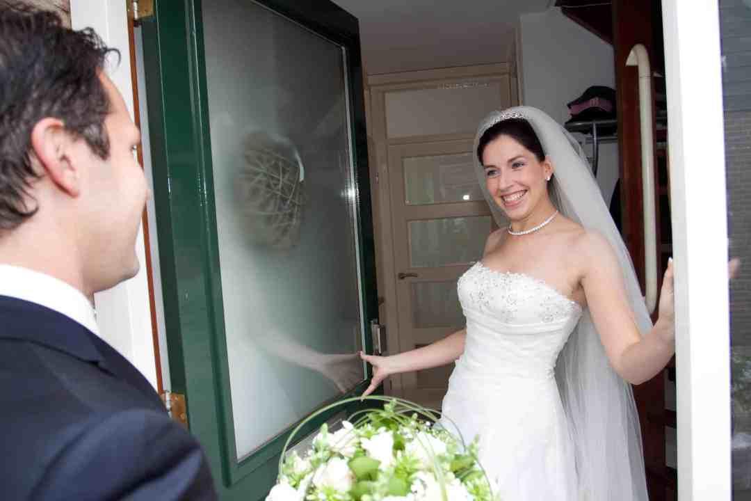 ontmoeting bruid & bruidegom trouwdag