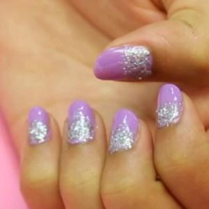 lilac-glitter-nail-art-1