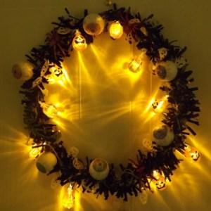 How to make a glowing DIY Halloween wreath - photo tutorial