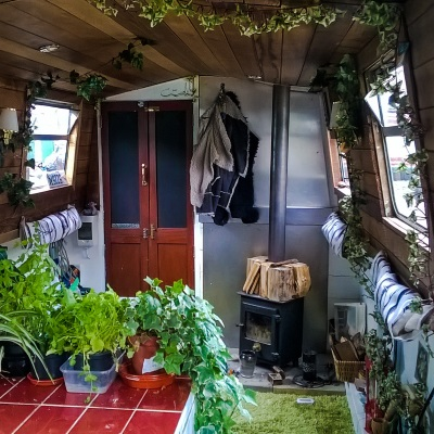 living on a houseboat interior