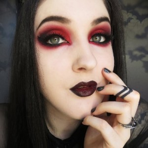black and red eyeshadow tutorial biohazardous beauty