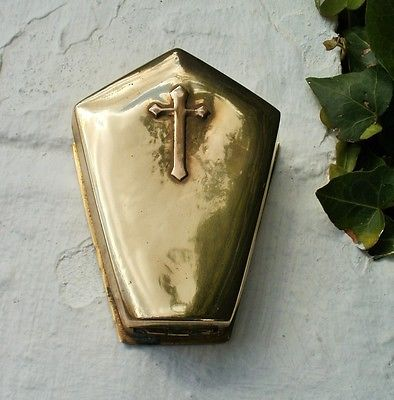 gothic christmas presents vintage snuff box