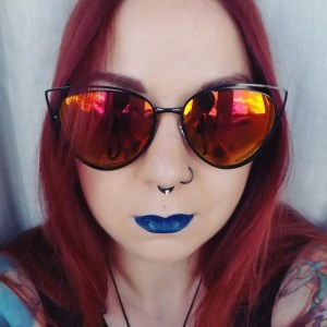 Vegan blue lipsticks - smoking gun - Impulse Cosmetics - chris
